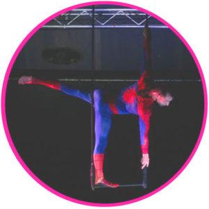 perfomeur-trapèze-Spiderman-Marseille
